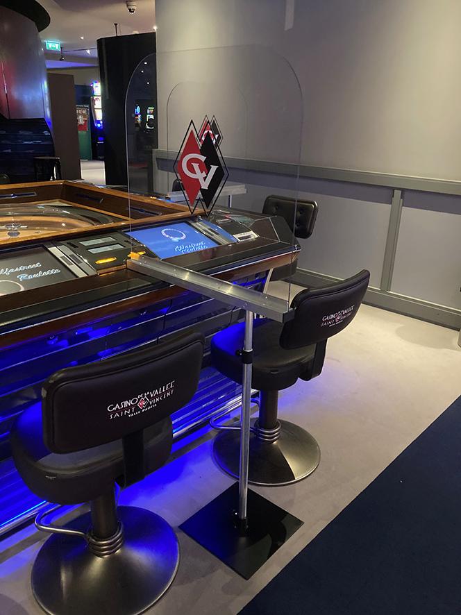 produzione e montaggio dispositivi anti-covid Casino de la Vallè